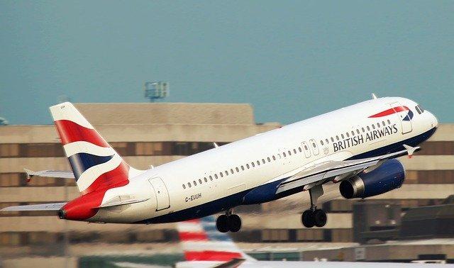 飛行機は離陸する時が一番燃料を消費する